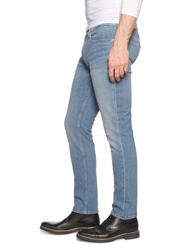 Vaqueros Slim Straight